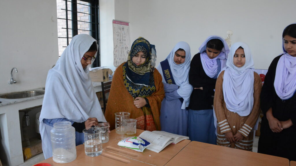 Pakistan_CMP_USAID_Science Lab_Girls in Education